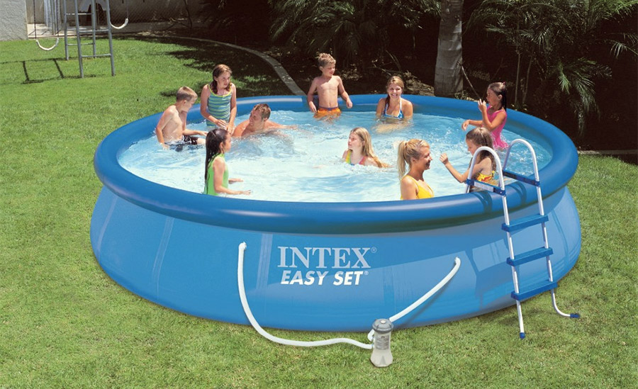 Inflatable framed pool